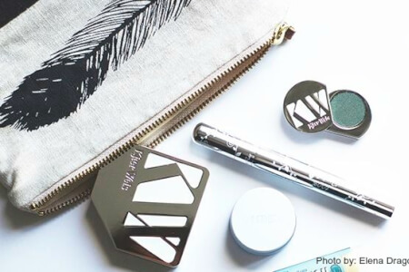 Simple Steps to Detox Your Makeup Bag thumbnail