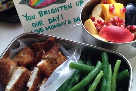 Sneak a Peak Into a Naturopath's daughter's lunch box! thumbnail
