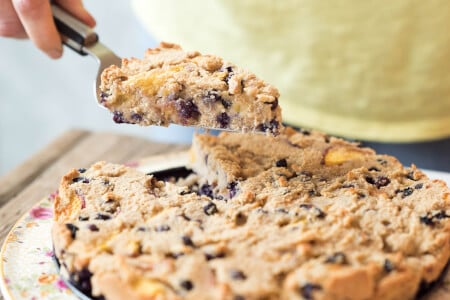 Gluten-free Peach and Wild Blueberry Cake thumbnail