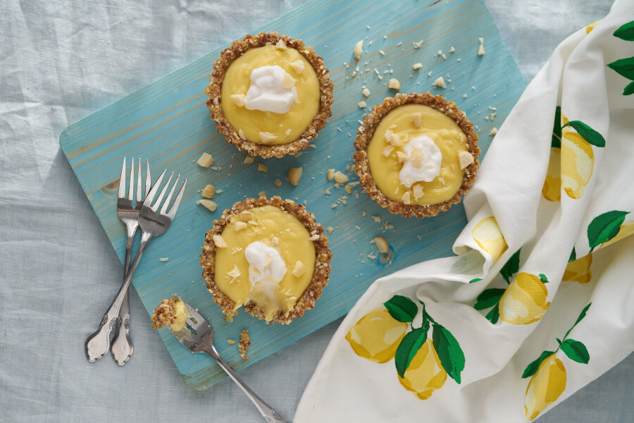 Creamy Lemon Macadamia Nut Tart thumbnail