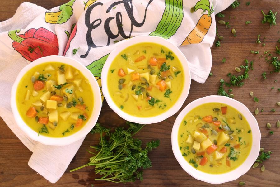 Root Veggie Turmeric Soup thumbnail