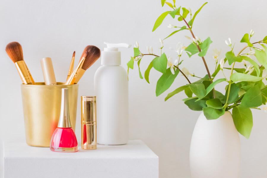 Overheard at Joyous Health: Best Natural Lipsticks thumbnail