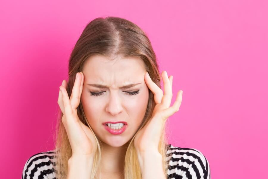 7 Migraine Triggers and Causes  thumbnail