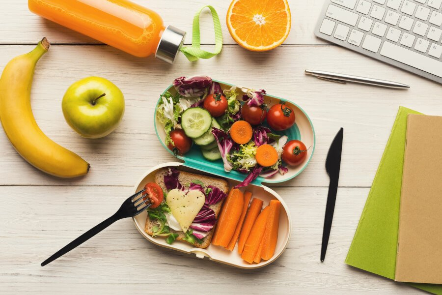 8 Healthy Eating Tips When You're Working from Home thumbnail