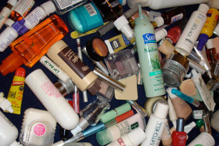 12 Dirty Chemicals in your Personal Care Products thumbnail