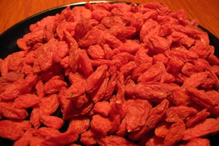 Add This Antioxidant to Your Diet - GOJI BERRIES! thumbnail