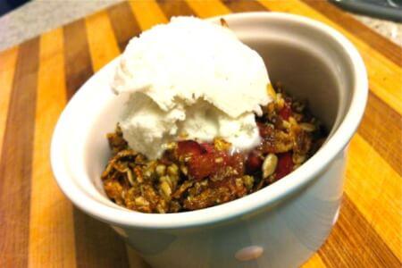 Quick & Easy Dessert: Rhubarb Crisp thumbnail