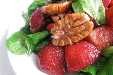 Strawberry Spinach & Goat Cheese Salad thumbnail