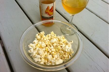 Organic Crunchy Snack: Turmeric Sea Salt Popcorn thumbnail